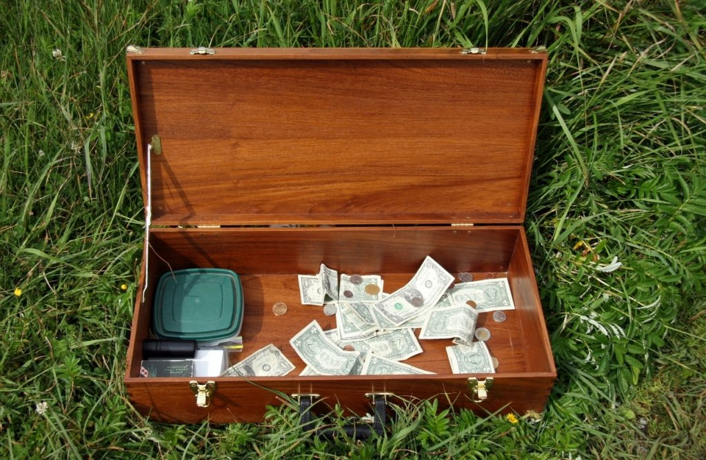 money-box-1314786-1278x831